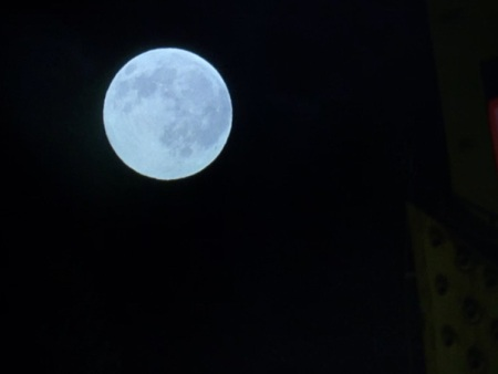 6-22_Moon